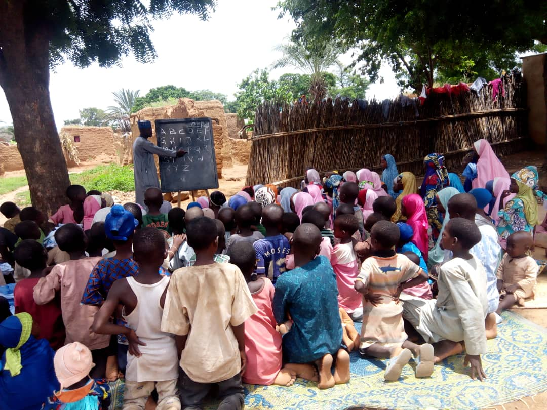 Pupils Learning Under Dongo Yaro Trees, Dilapidated Classrooms In Kano Despite Huge Budget For Education