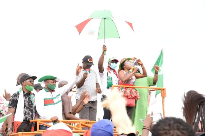 Edo 2020: APC Chieftain, 3000 others Join PDP in Ovia North East