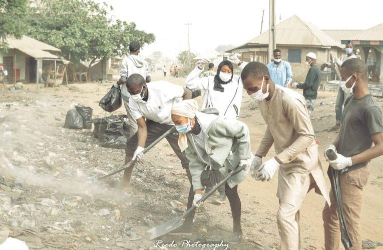 Bolaji Abdullahi Mentees visit Oke Ose Community for sustainable waste management Project