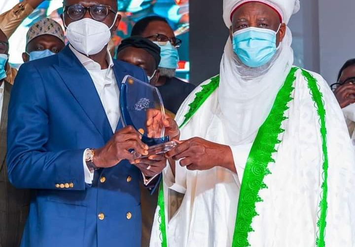 Sanwo-Olu Receives Leadership Governor of The Year